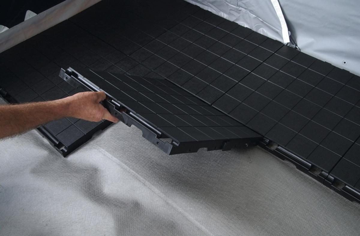 Isabella Floor Fliese 50x50 cm schwarz